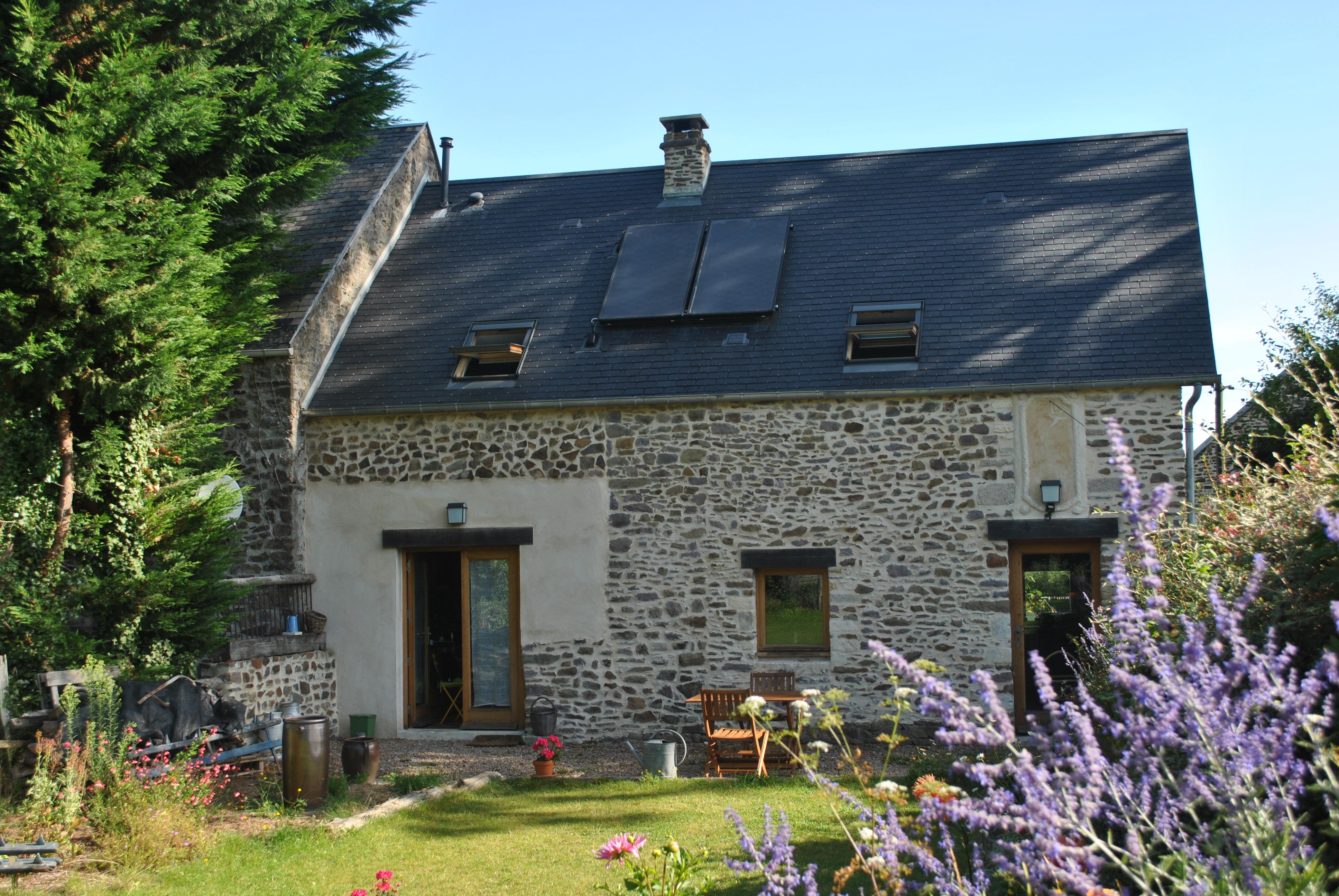 Gîte écologique La Charrette Bleue – Paisiblement dans le bocage normand